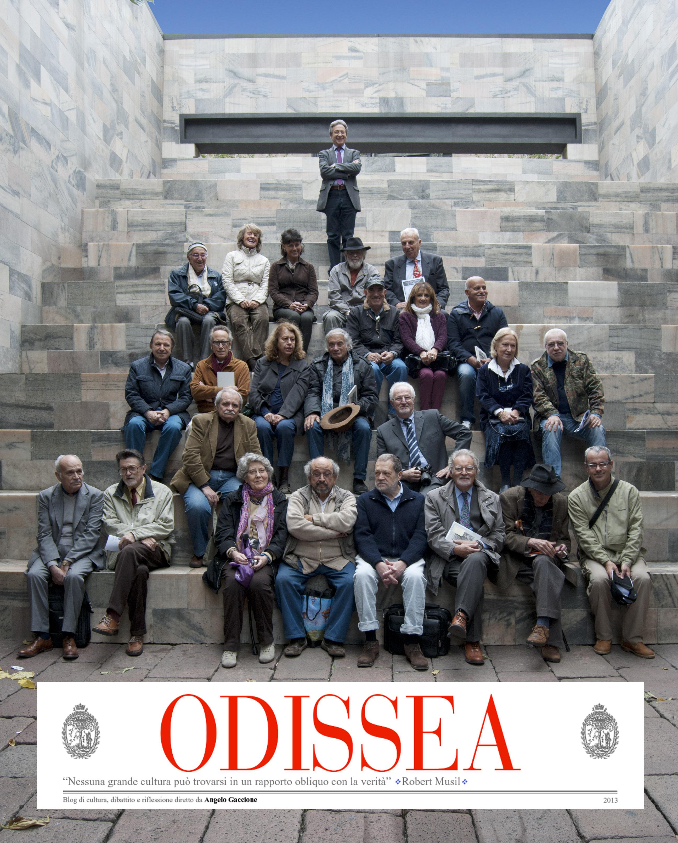 Una gruppo di Naviganti di Odissea (Monumento Pertini) Milano 25 Ottobre 2014