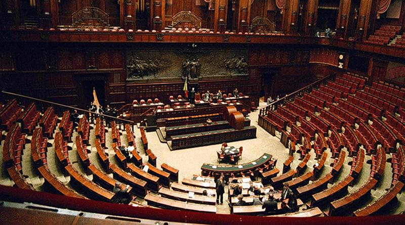 Il Parlamento si può difendere anche riducendo gli eletti